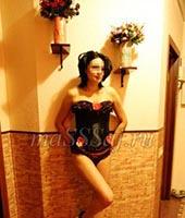 Вика, массажистка  26 лет