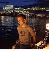 Владимир, массажист 26 лет