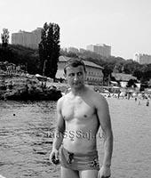 Максим, массажист 36 лет