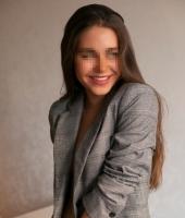 Арина, массажистка 22 года