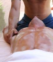 Максим, массажист 33 года